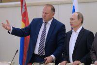 Владимир Путин и Николай Цуканов.