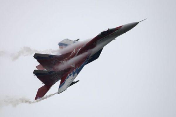 МиГ-29 - советский и российский многоцелевой истребитель четвертого поколения. Также один из самых массовых боевых самолетов России. Этот тип истребителей активно поставлялся на экспорт. Было разработано и выпущено множество различных модификаций, включая палубные.
