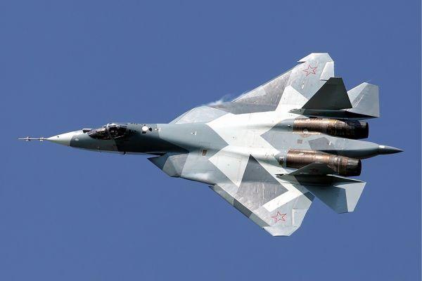 Перспективный авиационный комплекс фронтовой авиации (ПАК ФА, Т-50, Су-50, И-21, Чабрец) — российский многоцелевой истребитель пятого поколения, разрабатываемый подразделением Объединённой авиастроительной корпорации — «ОКБ Сухого», где он проходит под условным обозначением Т-50. Самолёт разрабатывается для замены Су-27 в российских ВВС. Для экспортных поставок на базе ПАК ФА совместно с Индией создаётся экспортная модификация самолёта, получившая обозначение FGFA (Fifth Generation Fighter Aircraft — истребитель пятого поколения).