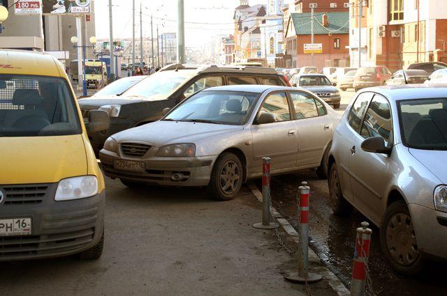 Незаконные парковки нашли в центре Новосибирска