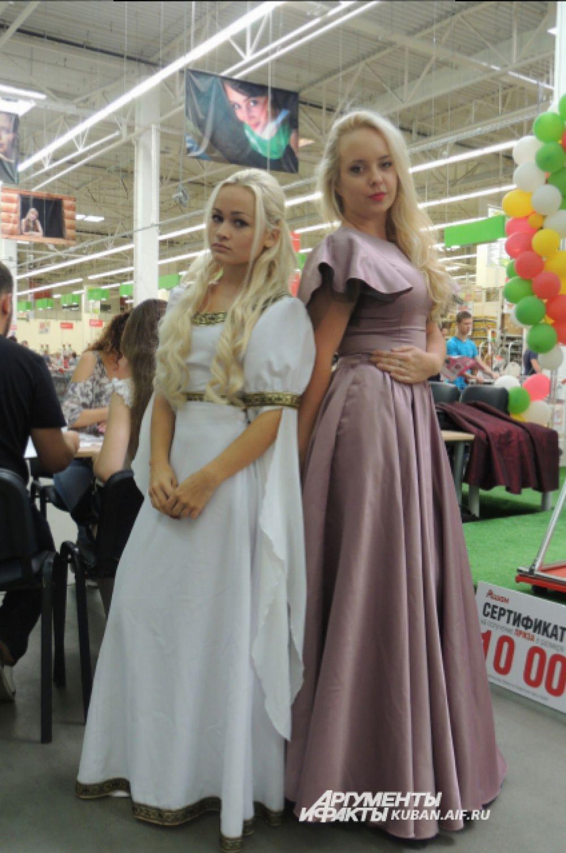 Две подруги, две фанатки сериала «Игра престолов», две Дейенерис Таргериен, - жительницы олимпийской столицы Мирослава и Анна.