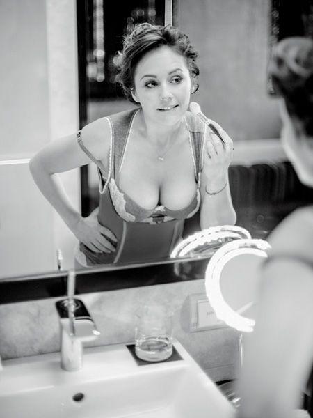 Анна Седокова показала фигуру в «голом» платье