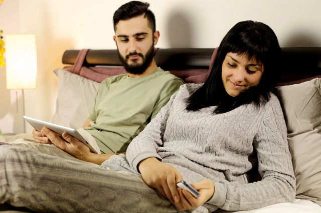 При сексе муж представляет другого человека