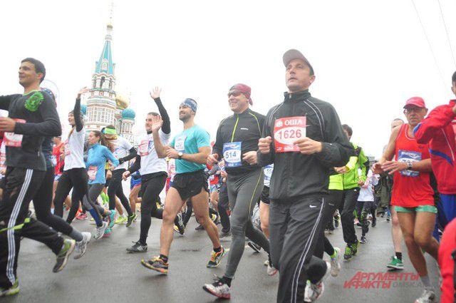 Марафон в Москве проходил одновременно с Сибирским международным марафоном.