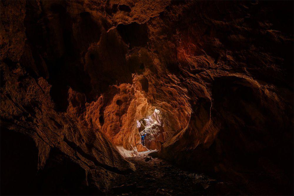 Пещера Ящур - одна из сотни пещер в окрестностях Тигирека.