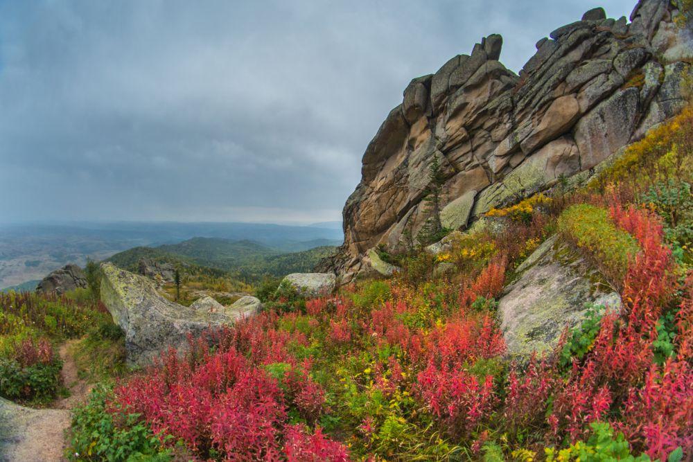 С горы открылся потрясающий вид.