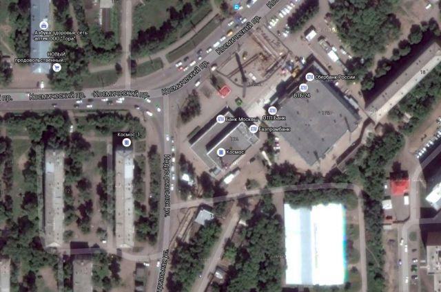 Два здания на Космическом проспекте хотят объединить в одно.