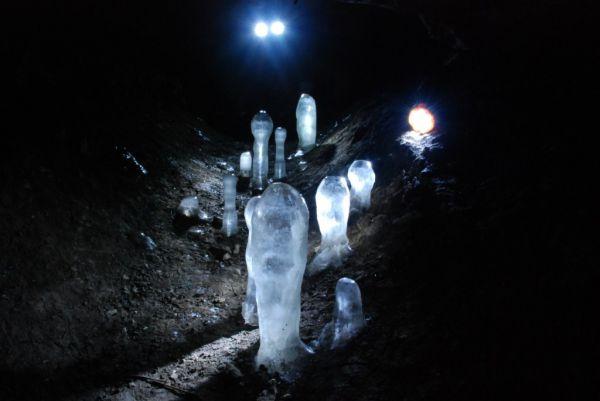 Тигирек манит не только туристов, но и спелеологов, и археологов.