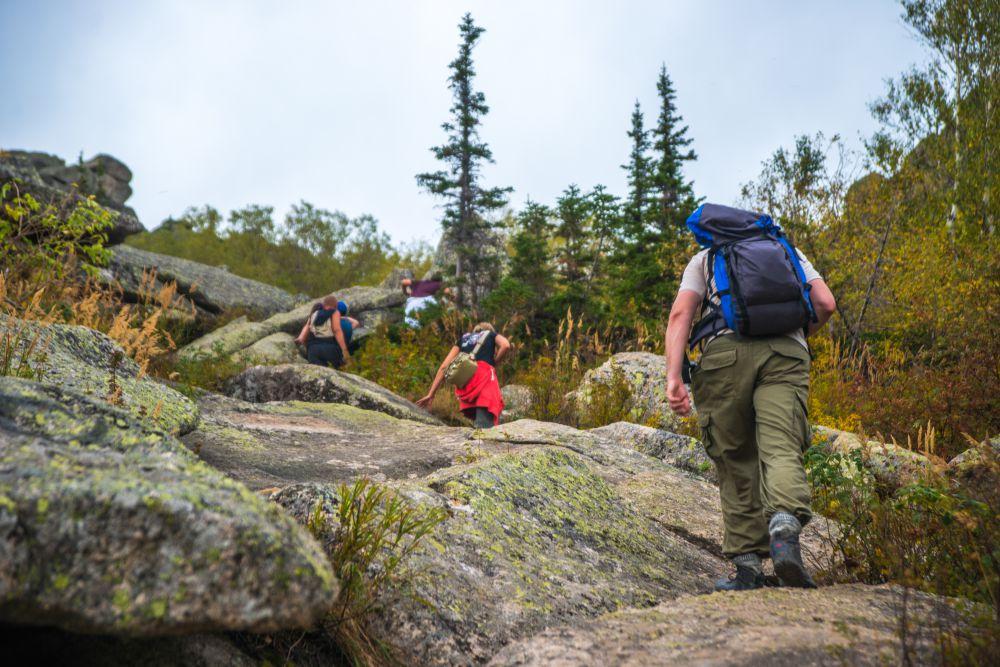 Первым испытание стал пеший подъем на гору Синюха (высота 1210 м над уровнем моря).