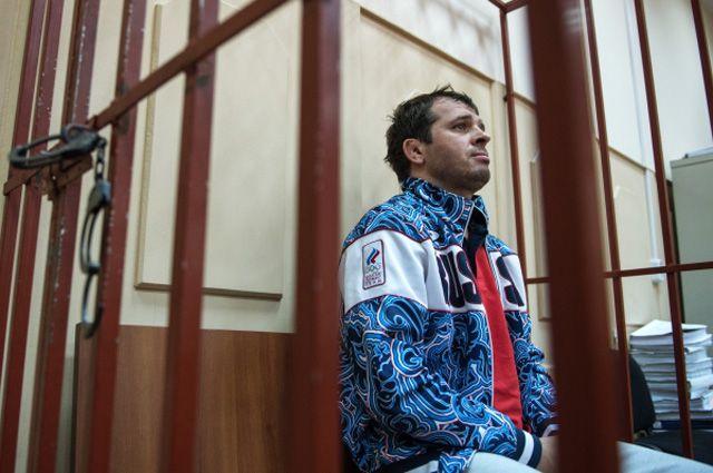 Возвращаться в россию он, естественно, не стал, и 19 августа года муртазалиев был объявлен в международный розыск.