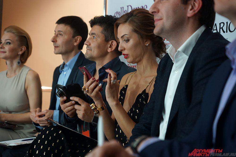 Член жюри - бизнес-леди, владелица салонов красоты Оксана Чернавская из Екатеринбурга.