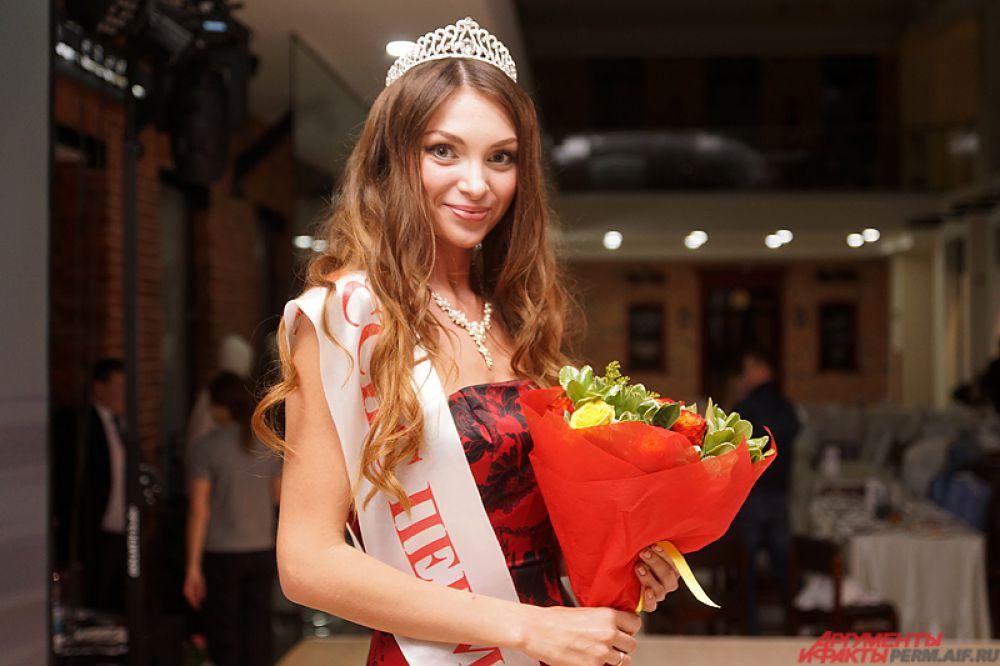Пермячка, как и российская топ-модель Наталья Водянова, является многодетной мамой. В «копилке» – две дочки и маленький сын.