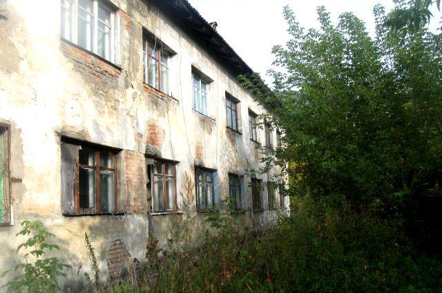 Дом 1962 года «поплыл» практически сразу.