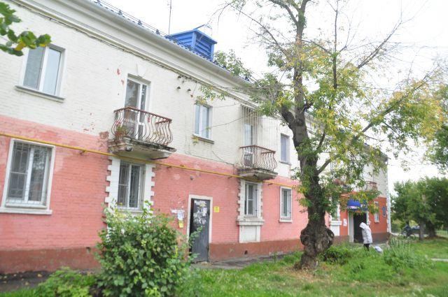 В Омске много домов, которые нуждаются в капитальном ремонте.