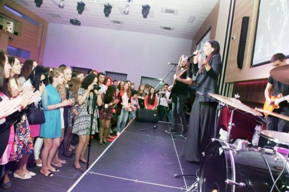 В честь 80-летия ВолгГМУ состоялся праздничный студенческий вечер с награждением активистов.