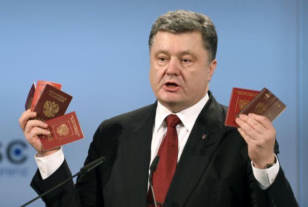 В 1998 году Пётр Порошенко впервые был выбран в украинский парламент от Социал-демократической партии Украины, поддерживающей президента Леонида Кучму.