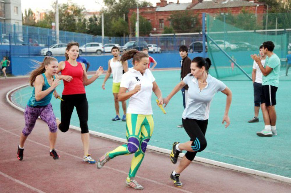 На неделе праздничных мероприятий в рамках 80-летия ВолгГМУ состоялись спортивно-массовые соревнования среди студентов и преподавателей вуза.