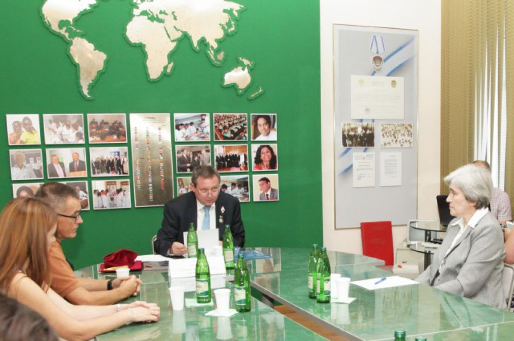 Почетный иностранный доктор ВолгГМУ, депутат Европарламента доктор Иржи Машталка (Чехия) прочитал открытую лекцию «Российская Федерация, Европейский Союз, Украина – текущая ситуация, выходы из кризиса» для студентов и сотрудников вуза.