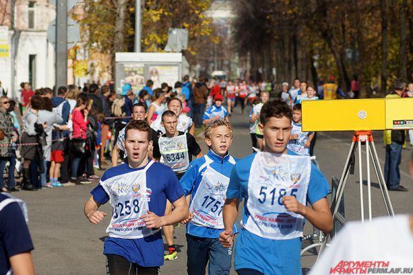 Забеги состоялись не только в краевой столице, но и в Соликамске, Чусовом, Лысьве, а также в Чернушинском, Кудымкарском, Осинском и других районах региона. По предварительным данным, в мероприятии поучаствовали около 20 тысяч прикамцев.