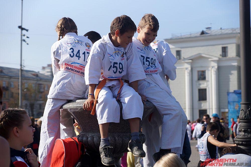 «Кросс наций-2015» в Перми стартовал в воскресенье, 27 сентября, на Комсомольском проспекте.