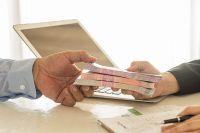 В Сбербанке помогают предпринимателям получить кредиты и банковские гарантии.