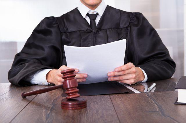 Суд назначил наказание бывшему омскому чиновнику.