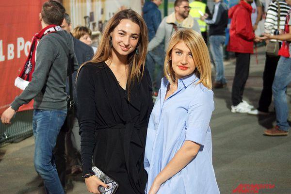 Участница финала конкурса красоты «Мисс Пермь – 2014» Анастасия Чернявская (слева) с подругой.