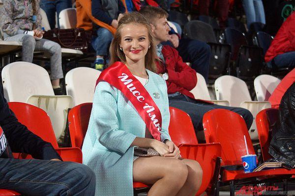 Частый гость футбольных баталий в Перми – «Мисс Амкар - 2015» Анастасия Тарарыкова.