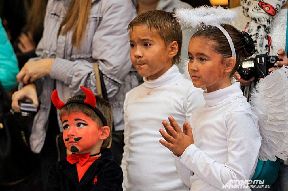 В свою очередь дети не только с интересом наблюдали, но и принимали участие в фестивале.