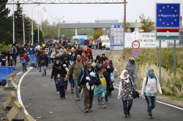 Европа не знает, что делать с нахлынувшим в неё миллионом беженцев.