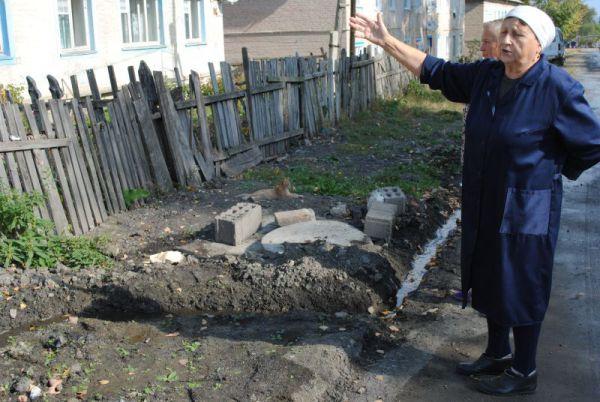 Людмила Окутина: фундамент дома №30 по улице Лесной разрушила фирма «Сенгилей-Стройзаказчик»