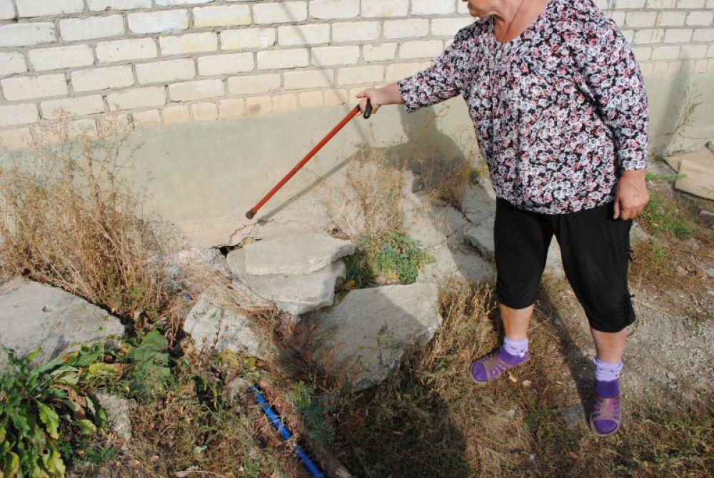 Фундамент дома №30 по улице Лесной разрушила фирма «Сенгилей-Стройзаказчик»