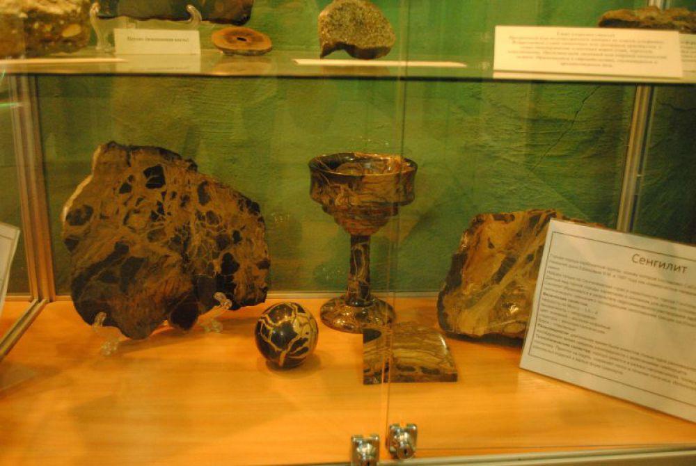Поделочный камень сенгилит - наследие мелового периода.