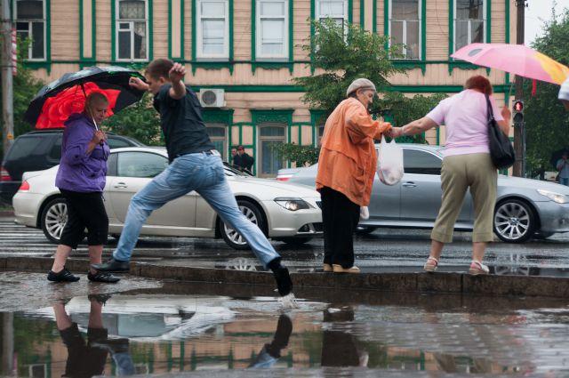 Лужи в центре Красноярска.