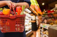 По сравнению с началом года продукты в Омске стали стоить дешевле.