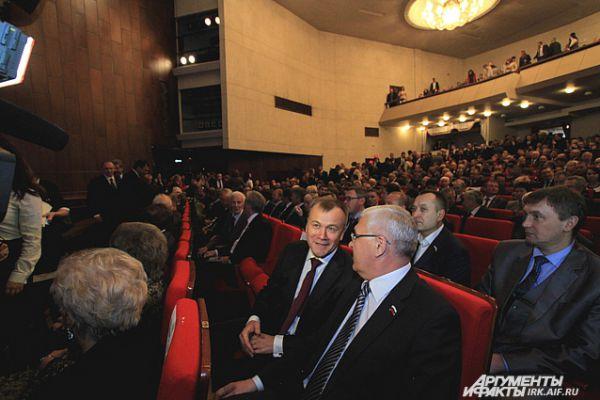 Бывший губернатор Приангарья Сергей Ерощенко также присутствовал на церемонии.