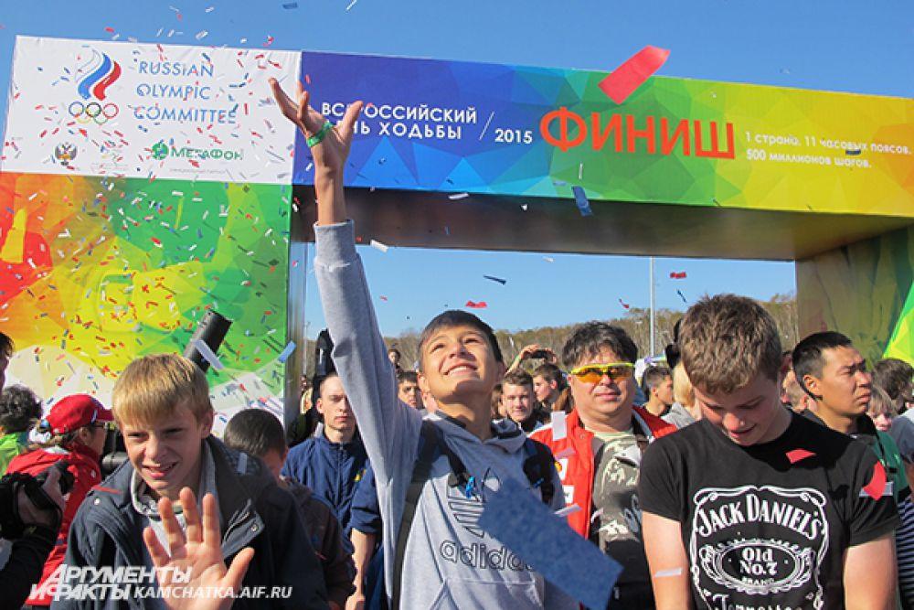 Участники Всероссийского дня ходьбы прошли всей страной 500 миллионов шагов.
