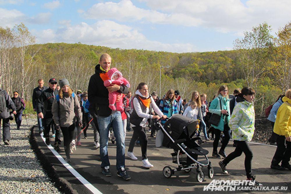 на биатлонном комплексе им. Фатьянова собрались дети, молодежь и люди преклонного возраста.
