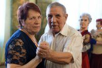 Выйдя на пенсию, можно заняться и танцами.