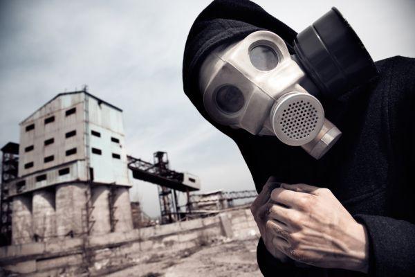 4-е место - человек. Ученый уповает на разум человека, надеясь, что он не допустит ядерных бомбардировок.