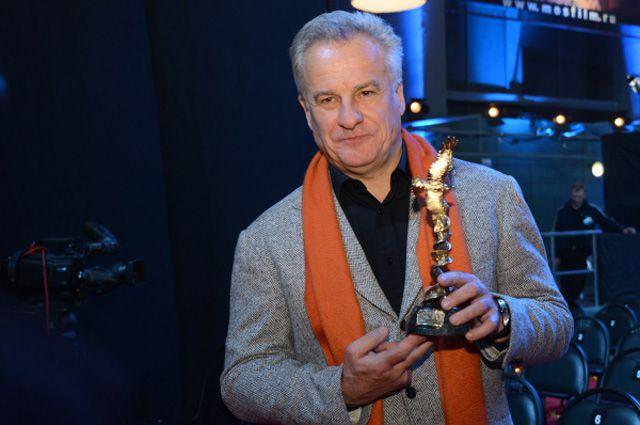 Режиссер Сергей Ястржембский, победивший в номинации «Лучший неигровой фильм», на XII Торжественной церемонии вручения Национальной Премии в области кинематографии «Золотой Орел»