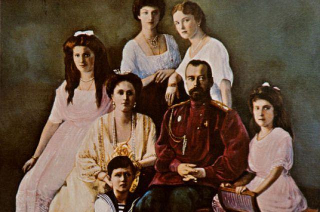 Раскрашенная фотография царской семьи Романовых. Репродукция.