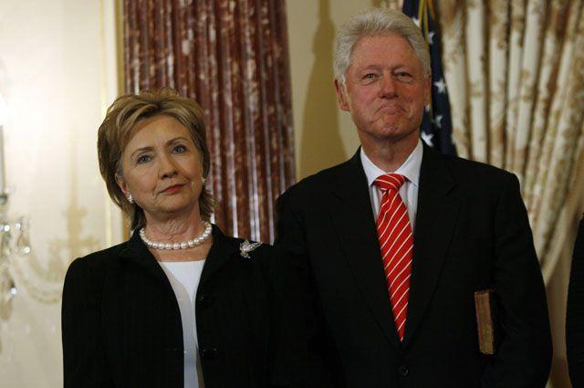 Хиллари и Билл Клинтон. 2009 год.