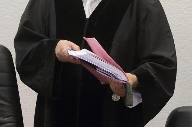 С омичей, не оплачивающих капремонт, взимают деньги через суд.