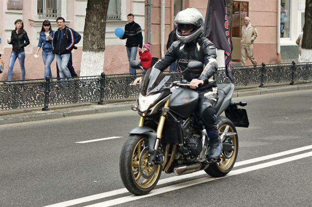 Мотоциклист.