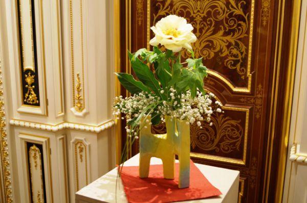 Древовидный пион считается в Японии цветком императора и императором среди цветов.