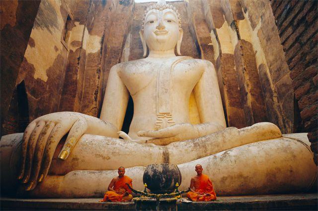 Статуя Будды.