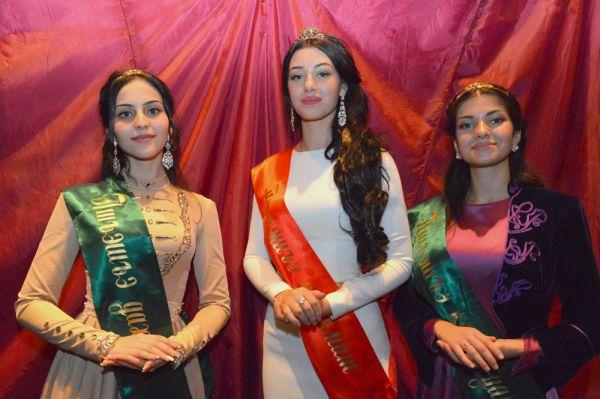 Победительницы конкурса: Нафисет Барчо, Диана Джаримова и Бэлла Бек