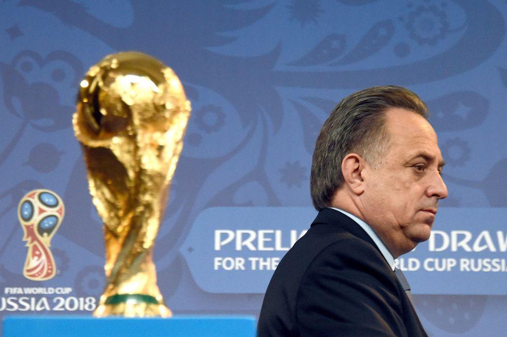 Виталий Мутко в решающий момент принял единственное верное решение – отправить в отставку самого дорого тренера национальных команд в мире, Фабио Капелло, сделав ставку на отечественного специалиста, и не прогадал