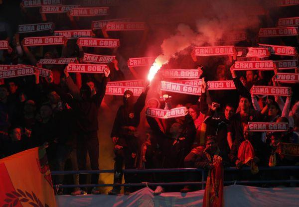 Бонус: Черногорский болельщик скорее является антигероем, чем героем, Но не метни он тот злополучный фаер в голову Игоря Акинфеева при счете 0:0 в выездном матче, кто знает, чем завершилась бы та встреча для нашей команды